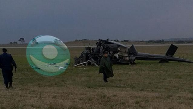Cayó helicóptero militar en aeropuerto de Carrasco y fallecieron dos pilotos