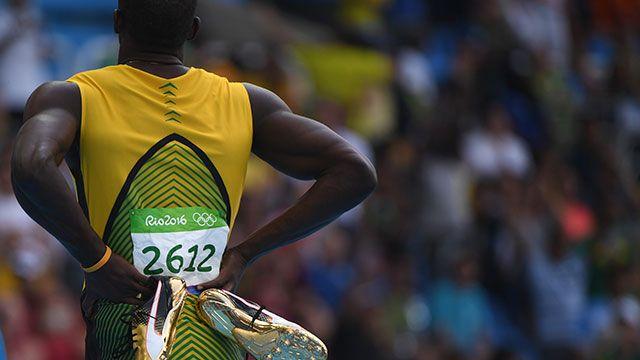 Sin esfuerzo, Usain Bolt pasó a semifinales en los 200 metros llanos