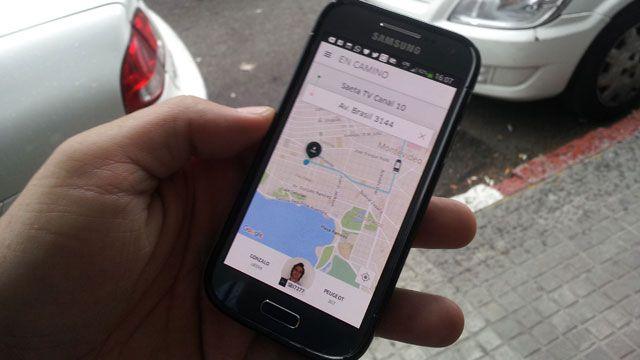 Choferes de Uber no podrán ser monotributistas, afirmó el ministro Murro