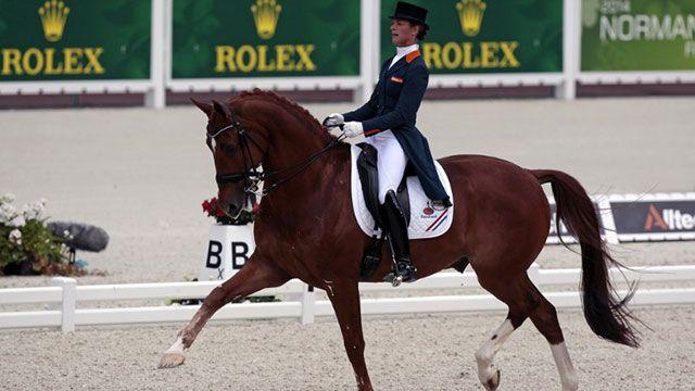 Abandonó competencia en los JJOO para salvar a su caballo