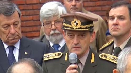 Manini Ríos destacó la defensa que hizo Huidobro de las Fuerzas Armadas