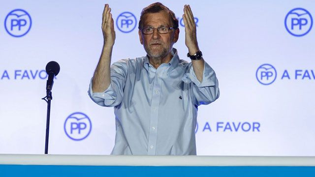 Socialistas españoles habilitarán a Rajoy para que gobierne España