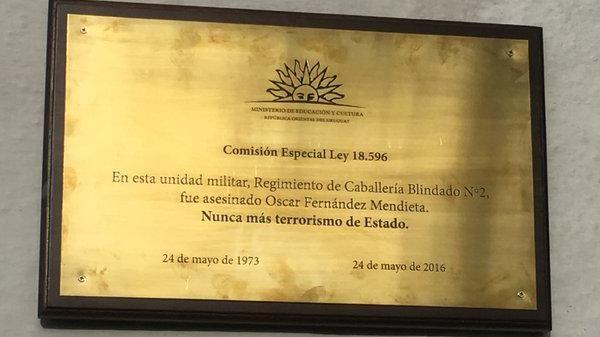 Comandante fue sancionado por negarse a colocar placa recordatoria