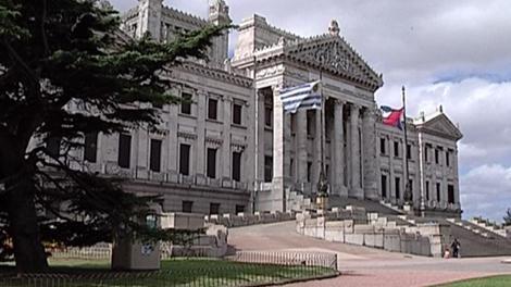 Parlamento votará proyecto que pone fin al secreto bancario en dos días