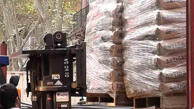 Colegio Seminario envió tres camiones repletos con ayuda para doloreños