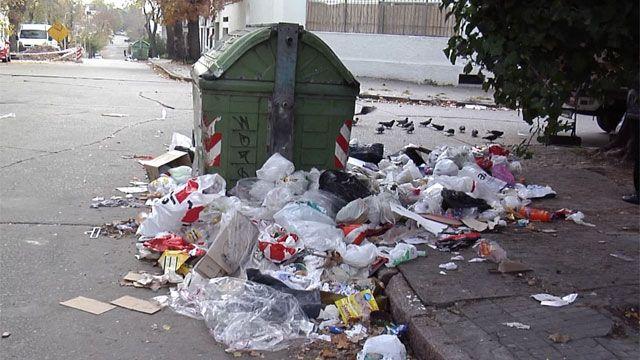 Image result for contenedores de basura sucios