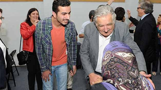 Mujica sobre refugiados sirios: no permitiremos violencia hacia mujeres