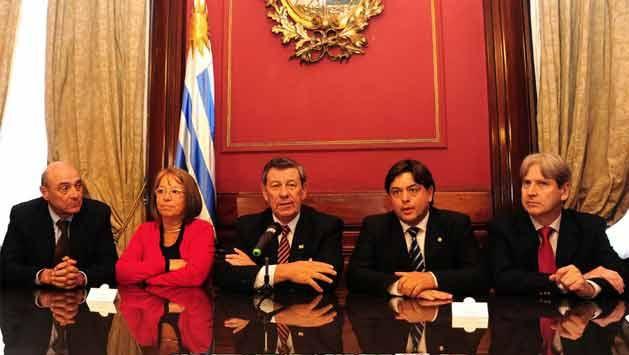Gobierno vuelve a plantear el voto de los uruguayos en el exterior