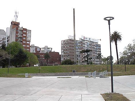 Reinauguran la Plaza de la Democracia en Tres Cruces