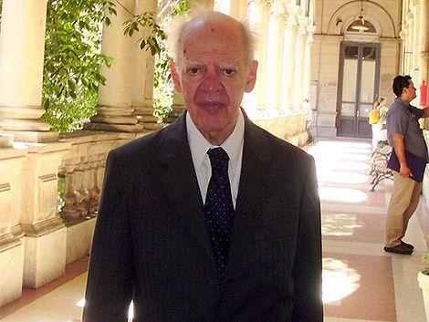 Falleció el profesor Horacio Cassinelli Muñoz