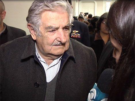 Mujica: Calvo Sánchez involucra al gobierno para defenderse