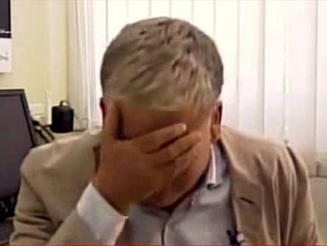 Desconsolado llanto de vocero de ONU al hablar de ataque en Gaza
