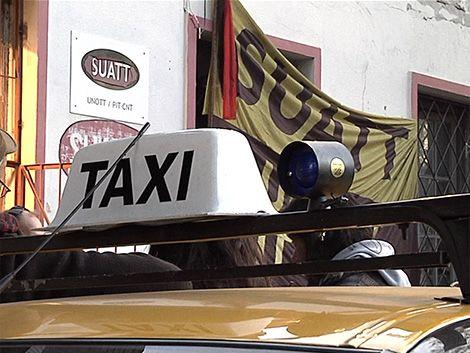 Martes con nuevo paro de taxis y marcha al Ministerio de Trabajo
