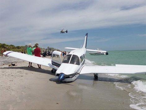 Aterrizaje de emergencia en playa de EE.UU deja un bañista muerto