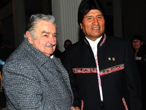 Evo dijo que su hermana prefiere escuchar a Mujica que a él