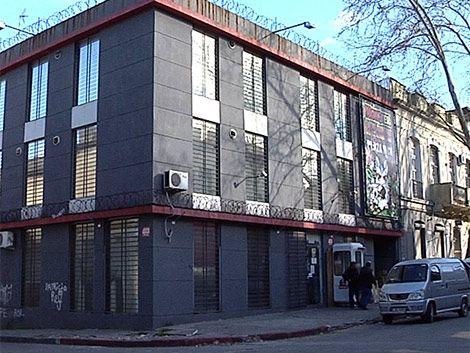 Extrema violencia en robo a distribuidora de Barrio Reus
