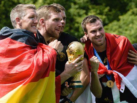Futbolistas alemanes gastaron a argentinos al regreso a su país