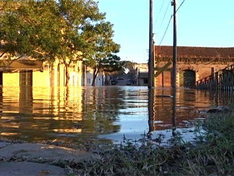 Leve disminución de evacuados; Salto Grande cerca de nivel normal