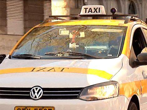 Licitarán 50 chapas para taxis eléctricos en Montevideo
