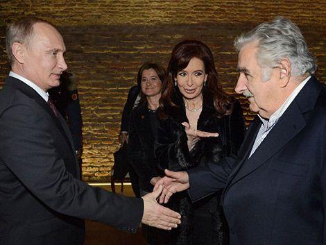 Mujica cenó con Cristina Fernández y Vladimir Putin