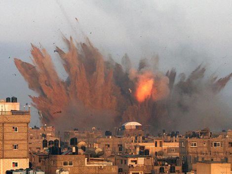 Se intensifica el fuego entre israelíes y palestinos