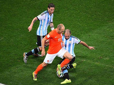 Terminó el partido 0 a 0: Argentina y Holanda definen por penales