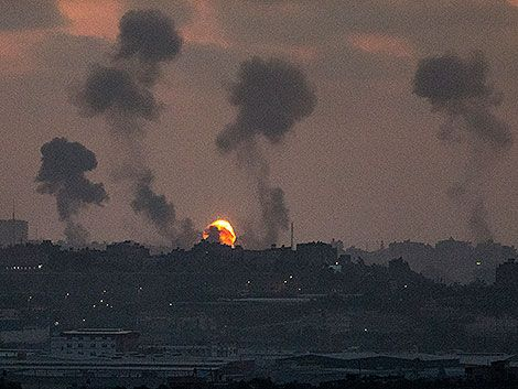 Israel bombardeó Gaza y causó 24 muertos; Hamas respondió