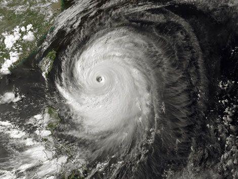 Máxima alerta en Japón por el tifón Neoguri