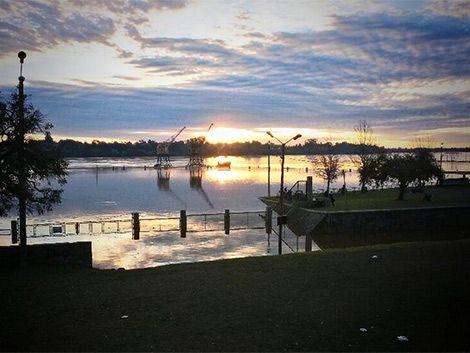 Esperan cerca de 4.000 evacuados por inundaciones en el litoral