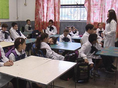 Niños sirios estudiarán en la escuela pública
