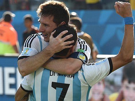 Argentina pasó a cuartos sufriendo
