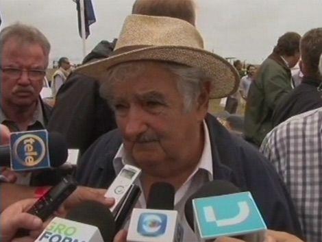 Mujica aceptó presos de Guantánamo por tema de derechos humanos
