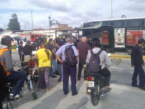 Ómnibus chocó en el Corredor Garzón: un muerto y dos heridos