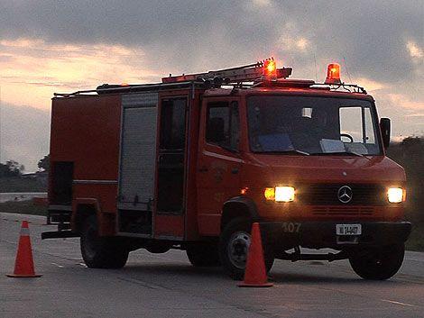 Choque fatal entre ómnibus y auto en Paso de la Arena