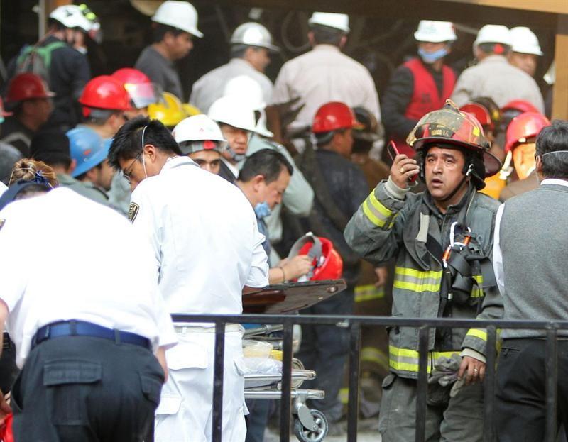 Explosión en sede de petrolera mexicana: 25 muertos y 101 heridos