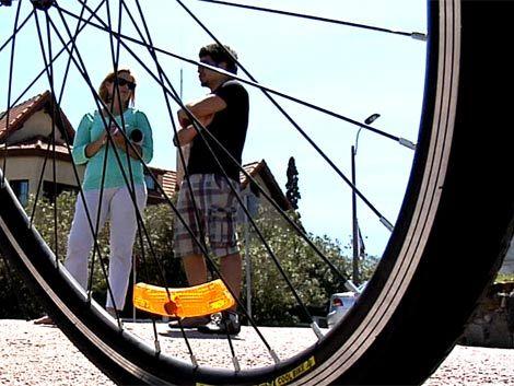 Gobierno evalúa sanciones para ciclistas que no lleven casco