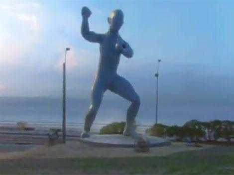 Se soltó el coreano de la rambla del Buceo y se puso a bailar