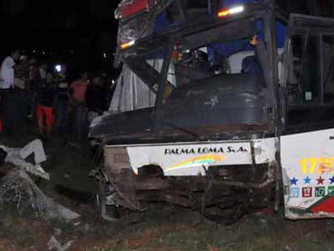 Choque de dos buses en Brasil dejó al menos diez muertos