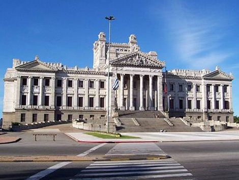 Ejecutivo envió proyecto de Rendición de Cuentas al Parlamento