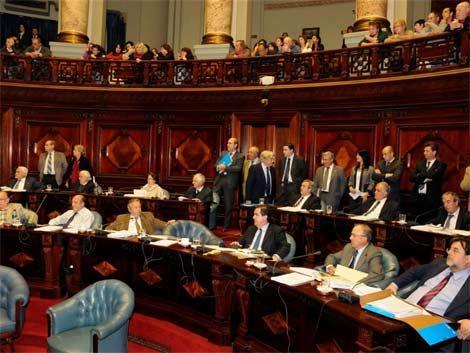 Oposición dice que el canciller Almagro mintió