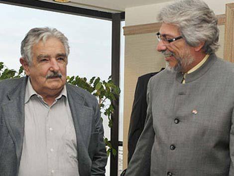 Mujica habla de Lugo: solo lo puede sacar el pueblo