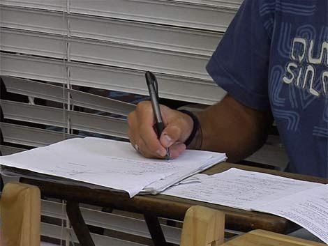 Liceos de cinco departamentos sin clases por paro de profesores