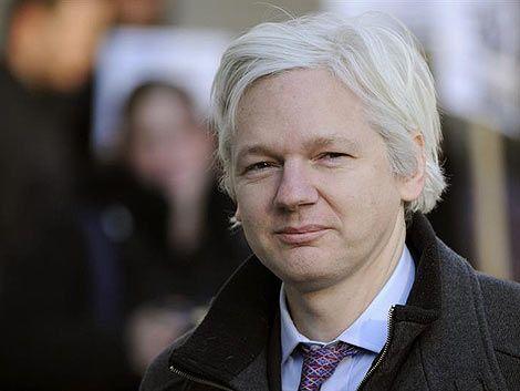 Assange pide asilo político en embajada de Ecuador en Londres