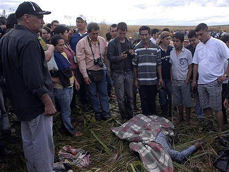 Decretan prisión de 12 campesinos tras enfrentamiento en Paraguay