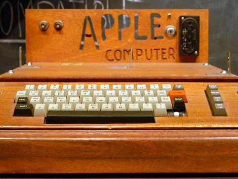 La primera computadora de Apple se subastó por 374.500 dólares