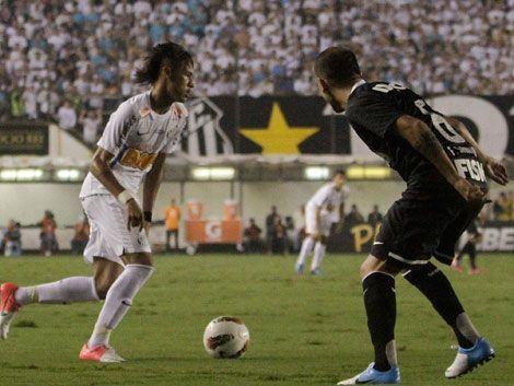 Corinthians deja en dificultades al último campeón