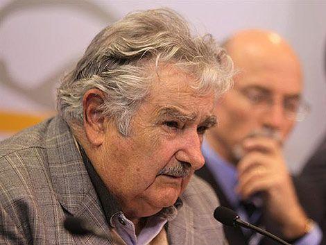 Mujica: ¿cómo una empresa pública tiene 700 gerentes?