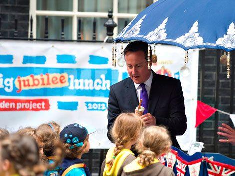 David Cameron se olvidó de su hija de ocho años en un pub