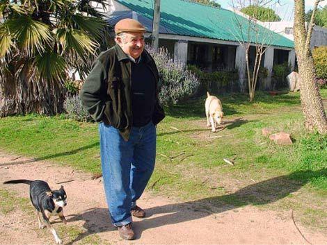 Falta de logros le pasan factura a Mujica