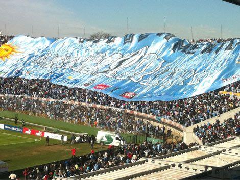 Convocan a teñir de celeste el Centenario en el partido ante Perú